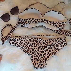 PINK Victoria's Secret Swim - Leopard VS PINK Bikini Top